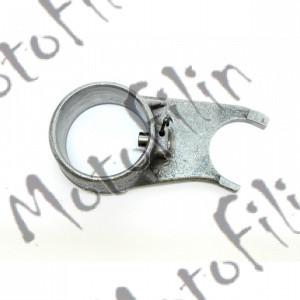 Вилка механизма переключения передач копирного вала 139FMB, 147FMB, 152FMI, 154 FMI